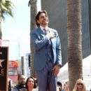 Eugenio Derbez Honored With Star on the Hollywood Walk of Fame - 400 x 600