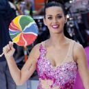 """Katy Perry Rocks The """"Today"""" Show"""