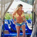 Bianca Gascoigne in Bikini on the pool in Cape Verde - 454 x 594