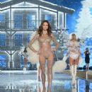 Barbara Fialho 2015 Victorias Secret Fashion Show Runway In Nyc