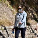 Jennifer Garner – Out for a hike in Los Angeles