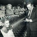 Richard Burton and Susan Hunt - 454 x 349