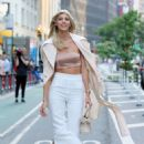 Devon Windsor – Arrives at 2017 Victoria's Secret Fashion Show Casting in NYC - 454 x 681