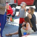 Alicia Silverstone at the farmer's market in Studio City, California on August 28, 2016 - 454 x 398