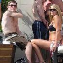 Ricky and Jennifer sunning in Las Vegas. - 356 x 400