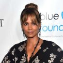 Halle Berry – 2018 Imagine Cocktail Party To Benefit Jenesse Center in LA - 454 x 609