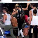 Hailey Baldwin – Leaving the gym in NYC - 454 x 550
