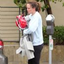 Jennifer Garner – Leaving a boxing class in Los Angeles - 454 x 671