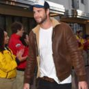 Liam Hemsworth-April 25, 2015-City Year Los Angeles Spring Break - 391 x 600