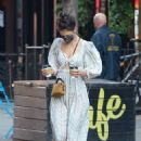 Katie Holmes – In dress out for a coffee
