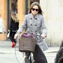 Pippa Middleton – Shopping in London - 454 x 764
