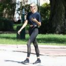Devon Windsor – Out on her morning walk in Miami - 454 x 303
