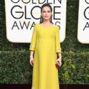 Natalie Portman : 74th Annual Golden Globe Awards - 417 x 600