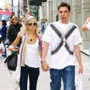 Nicole Richie & DJ AM shopping in Soho before or after their visit to Nike iD studio in NYC on 04.13.2006. - 454 x 695