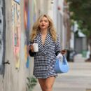 Peyton List – Grabbing a coffee from Blue Bottle in Los Angeles