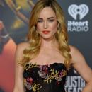 Caity Lotz – 'Justice League' Premiere in LA November 14, 2017 - 454 x 682