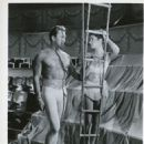 Kirk Douglas, Leslie Caron - 454 x 584