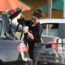Sarah Hyland – Shopping in Los Angeles