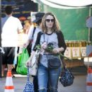 Rachel McAdams – Shopping at Farmers Market in Los Angeles