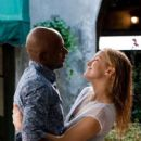 Kate Hudson and Romany Malco