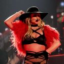 Britney Spears – Performs on NYE at Planet Hollywood in Las Vegas - 454 x 587
