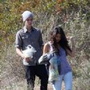 Selena Gomez and Justin Bieber having a picnic at Griffith Park (April 4)