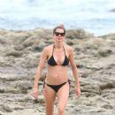Gisele Bundchen in Black Bikini at the beach in Costa Rica - 454 x 681