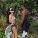 Kim Kardashian - On Vacation In Costa Rica - March 6, 2010 - 454 x 626