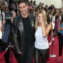 2000 MTV Movie Awards - Freddie Prinze Jr and Sarah Michelle Gellar - 382 x 594
