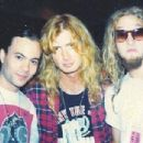 Dave Mustaine with Layne Staley and Mike Starr - 454 x 304