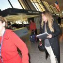 Hilary Duff – Arrives at Airport in Washington - 454 x 571