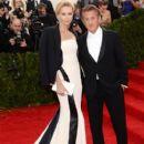 Sean Penn and Charlize Theron - 408 x 594
