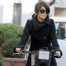 Vanessa Hudgens: to take a bike ride