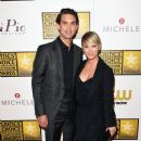 Kaley Cuoco and Ryan Sweeting - 373 x 594