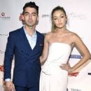 Joe Jonas and Gigi Hadid - 454 x 454