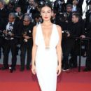 Isis Valverde-  'Les Miserables' Red Carpet - The 72nd Annual Cannes Film Festival - 400 x 600