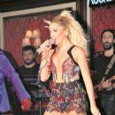Hadise Açikgöz - Rocks Hotel Concert Performance - 454 x 762