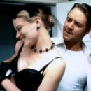 Bridget Fonda and Russell Crowe