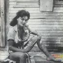 Marilyn Hanold - 454 x 677
