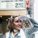 Gloria Swanson - 454 x 338
