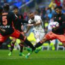 Real Madrid  - Valencia - 454 x 303