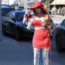 Phoebe Price is seen out in Beverly Hills, California on March 28, 2017 - 412 x 600