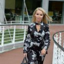 Katie Piper Arrives at her Hotel in Manchester - 454 x 801