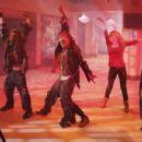 Shake It Up! (2010) - 454 x 301