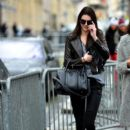 Kendall Jenner takes a leisurely stroll in Paris