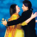 Shahrukh khan & Kareena kapoor spotted promoting Ra.one