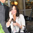 Demi Lovato Arriving At Her Hotel After Appearing On This Morning In London, England, 2009-04-23