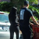 Kylie Jenner – Shopping in Los Angeles - 454 x 689
