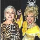 Linda Hart and Debbie Harry backstage at 'Hairspray - 204 x 292