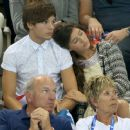 Louis Tomlinson and Eleanor Calder - 425 x 370